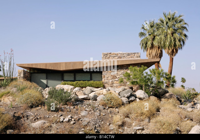 Classic modernist house stock photos classic modernist for The edris house palm springs