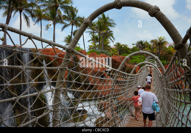 Rope Bridge Stock Photos & Rope Bridge Stock Images - Alamy