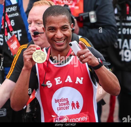 The blind London Marathon runners - bbc.com