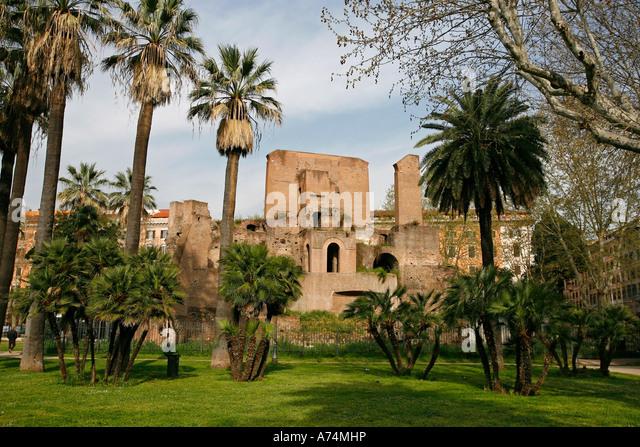 Rosicrucians stock photos rosicrucians stock images alamy - Porta magica piazza vittorio ...