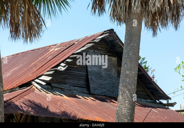 Beat us stock photos beat us stock images alamy for Wood frame house in florida