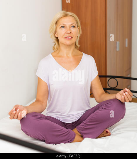 Yoga clothes for older women
