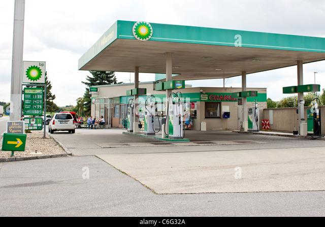 Iowa Gas Prices >> Bp Gas Station Stock Photos & Bp Gas Station Stock Images - Alamy