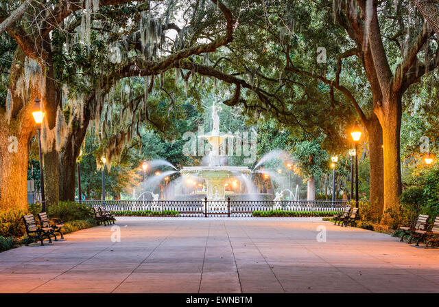 savannah-georgia-usa-at-forsyth-park-fou