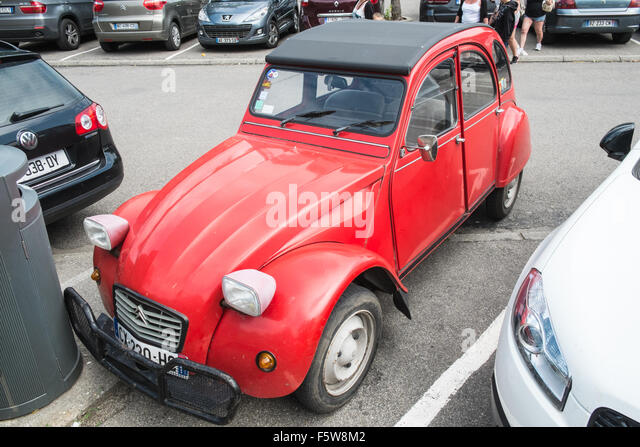 deux chevaux stock photos deux chevaux stock images alamy. Black Bedroom Furniture Sets. Home Design Ideas