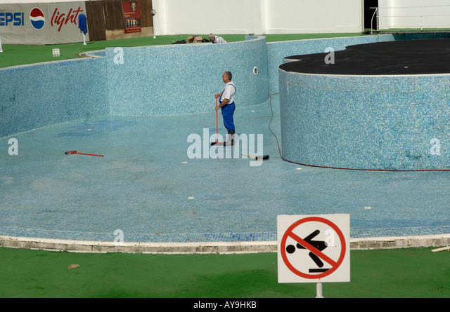 Empty swimming pool stock photos empty swimming pool for Pool man show