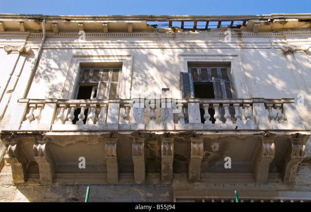 Decrepid stock photos decrepid stock images alamy for Balcony nicosia