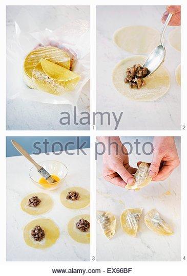 Filled Pasta Parcels Stock Photos & Filled Pasta Parcels ...