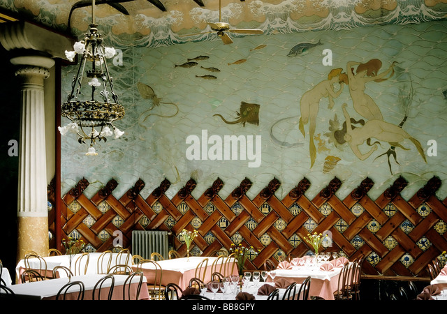 Speisesaal stock photos speisesaal stock images alamy for Dining hall decoration