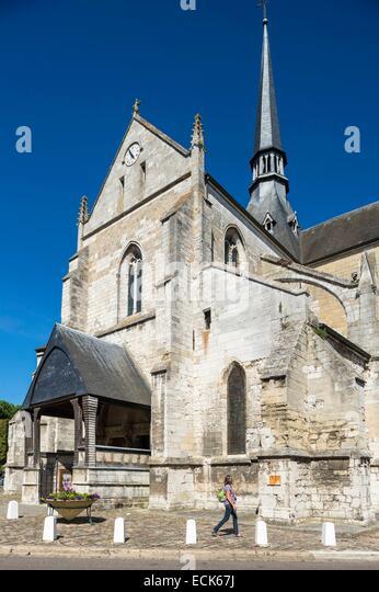 Church Of Saint Sauveur Stock Photos  U0026 Church Of Saint