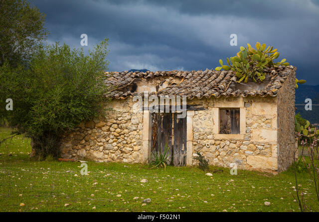 Ancient house spain rural stock photos ancient house for Ametzola casa rural