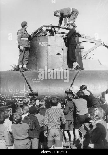 World war 2 midget submarine crewmen