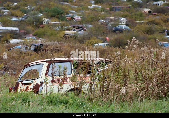 cars rusted vehicle stock photos cars rusted vehicle stock images alamy. Black Bedroom Furniture Sets. Home Design Ideas