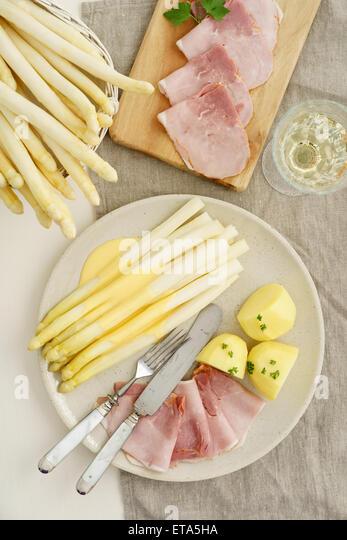 how to make hollandaise sauce for asparagus
