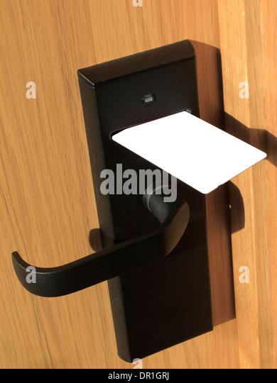 hotel-door-magnetic-card-key-dr1grj.jpg