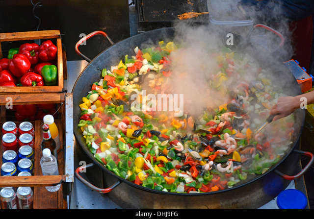 how to cook paella in a paella pan
