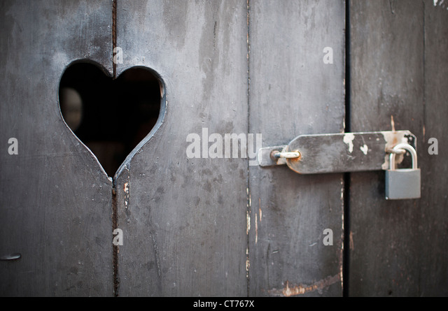 old door with a heart padlocked - Stock Image & Padlocked Door With Hole Stock Photos \u0026 Padlocked Door With Hole ... Pezcame.Com