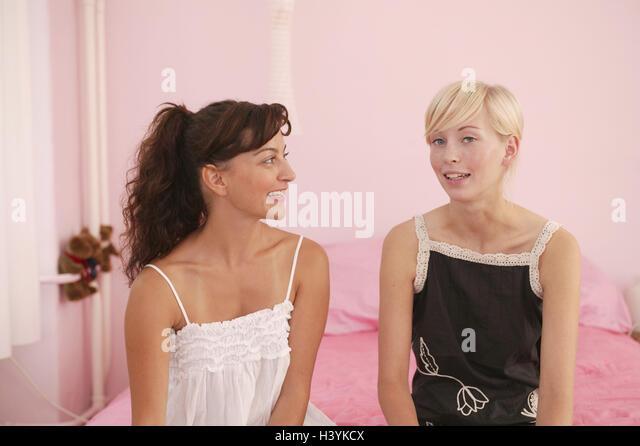 bosom friend Traduction bosom francais, dictionnaire anglais - francais, définition, voir aussi 'bosom friend',bosom buddy',boom',blossom', conjugaison, expression, synonyme.