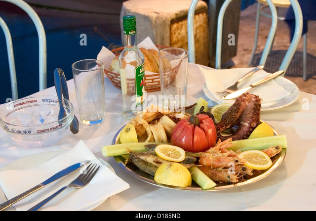 Ouzeri stock photos ouzeri stock images alamy for Apollon greek and european cuisine