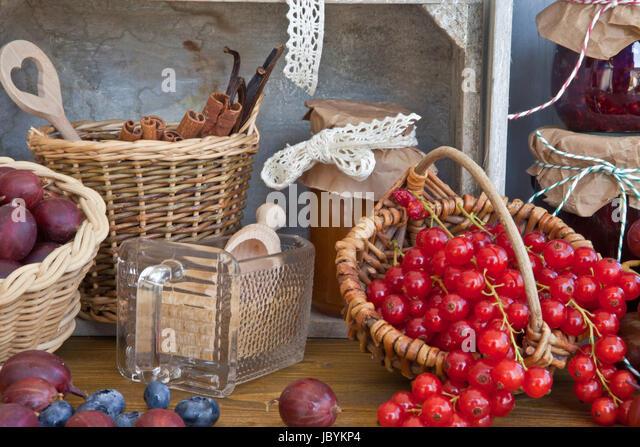 johannisbeeren gelee stock photos johannisbeeren gelee stock images alamy. Black Bedroom Furniture Sets. Home Design Ideas