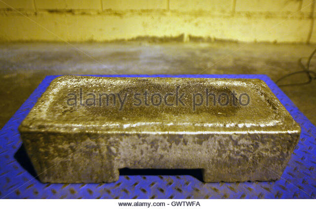 Smelting silver stock photos smelting silver stock for Mixture of gold and silver