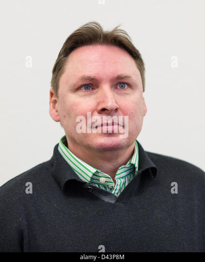 Alleged investment fraudster Ulrich Engler appears at the Regional Court in Mannheim, Germany, 04 March 2013. The 51-year-old collected around 130 million ... - alleged-investment-fraudster-ulrich-engler-appears-at-the-regional-d43p8m
