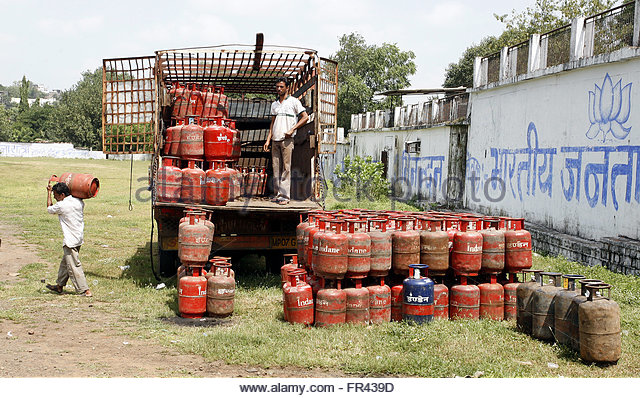 Cooking Gas Cylinders Stock Photos & Cooking Gas Cylinders ...