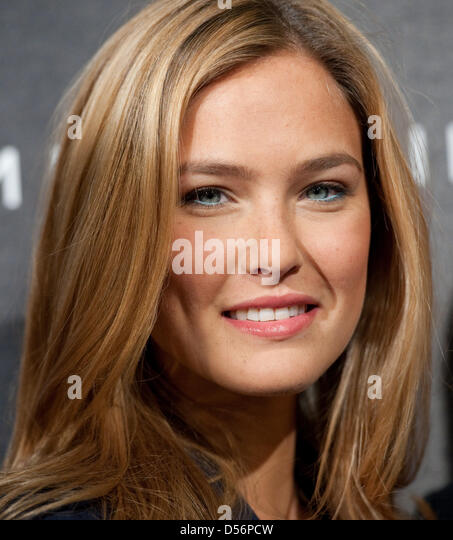 download bar refaeli smile - photo #38