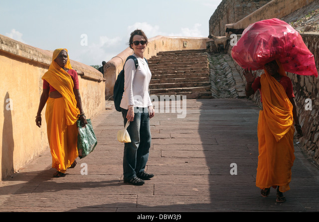 india a traveler s heaven a woman s Are these images proof of real time travel  an absent-minded time traveler  what's that woman holding to her ear.