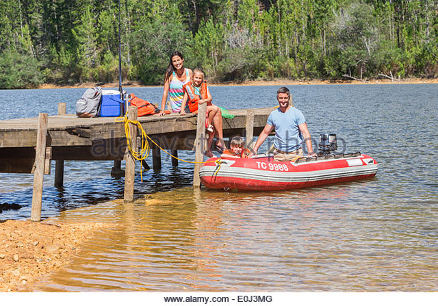 Motorboating stock photos motorboating stock images alamy for Family fishing boats