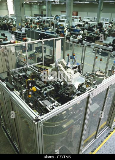 Automated Assembly Line : Conveyor belt electronic stock photos