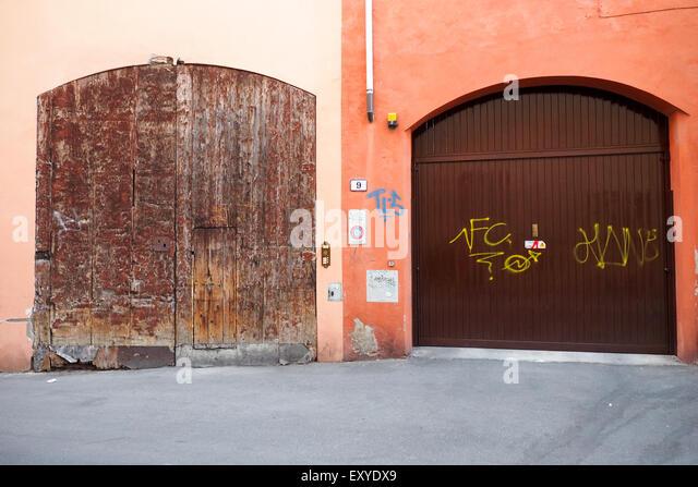 Garage Bilder wooden garage doors stock photos wooden garage doors stock images