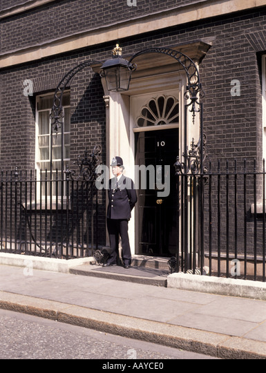 10 downing street stock photos 10 downing street stock for Front door 10 downing street