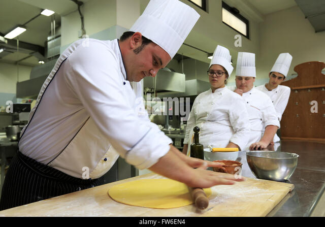 Apprentices stock photos apprentices stock images alamy for Fresh chef kitchen