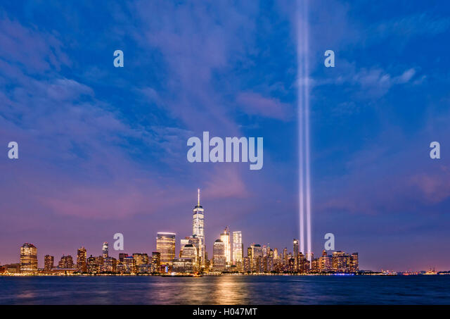 Tribute In Light Stock Photos Tribute In Light Stock Images Alamy - Two beams light new yorks skyline beautiful tribute 911