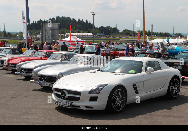 mercedes gullwing stock photos mercedes gullwing stock images alamy. Black Bedroom Furniture Sets. Home Design Ideas