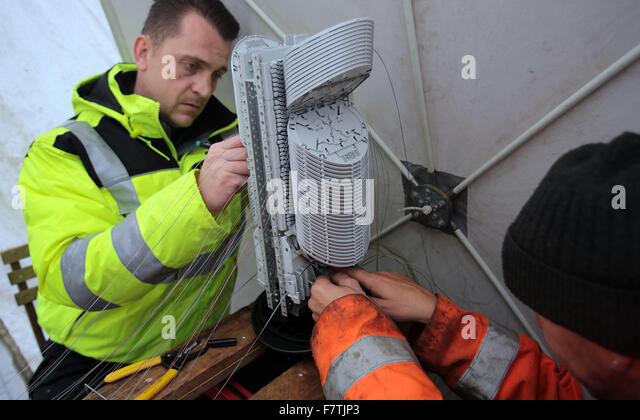 Fibre Optics Broadband Stock Photos & Fibre Optics Broadband Stock ...