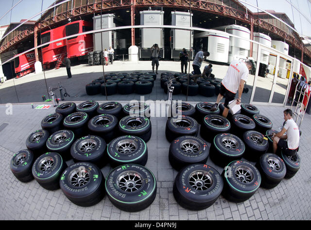 how to become a f1 mechanic