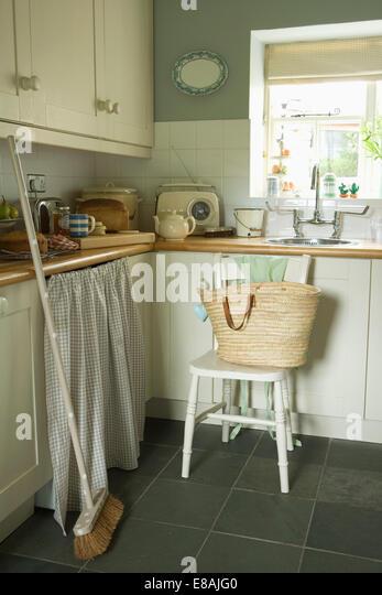 White Curtains Cottage Kitchen Stock Photos & White Curtains ...