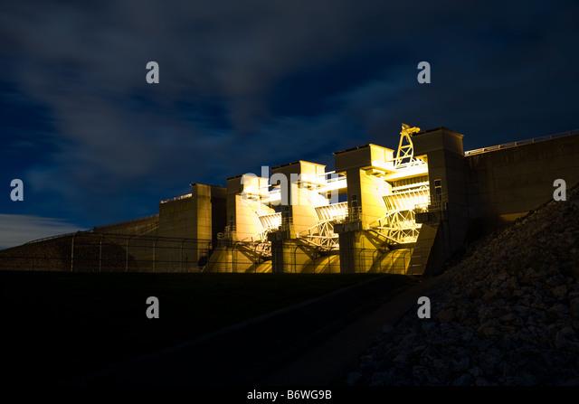 Dam at night stock photos amp dam at night stock images alamy