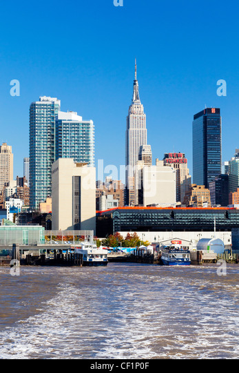 hudson river new york stock photos hudson river new york stock images alamy. Black Bedroom Furniture Sets. Home Design Ideas