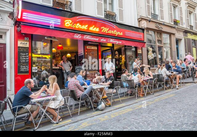 Martyrs stock photos martyrs stock images alamy for Restaurant miroir rue des martyrs