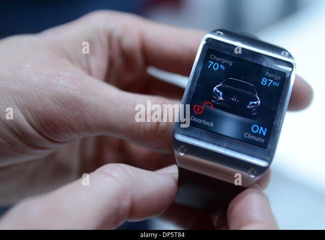 Galaxy Gear Watch Stock Photos & Galaxy Gear Watch Stock ...
