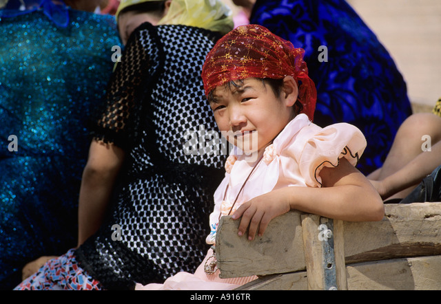 turpan girls It is almost certain that this girl is uyghur, see turpan#demography 7038% uyghur (177,106 persons), 2195% han, 734% hui, 007% tuija, 005% manchu (132 persons)- of these, only uyghur have significant caucasoid admixture.
