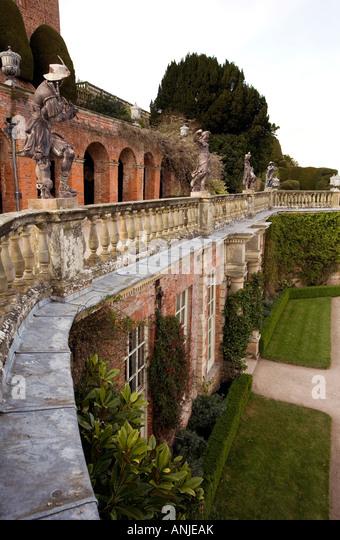 Welshpool history stock photos welshpool history stock for Castle gardens pool