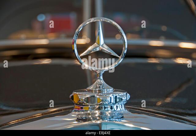 Mercedes benz star stock photos mercedes benz star stock for Mercedes benz hood ornament