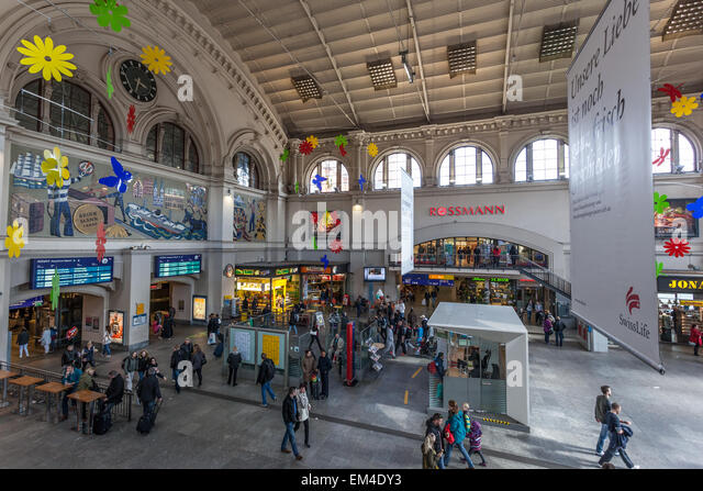 Bremen central station stock photos bremen central station stock images alamy - Inside mobel bremen ...