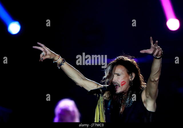 Moscow, Russia. 23rd May, 2017. Lead singer Steven Tyler of the American rock band Aerosmith performs onstage at - Stock Image