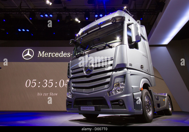 Actros stock photos actros stock images alamy for New mercedes benz commercial