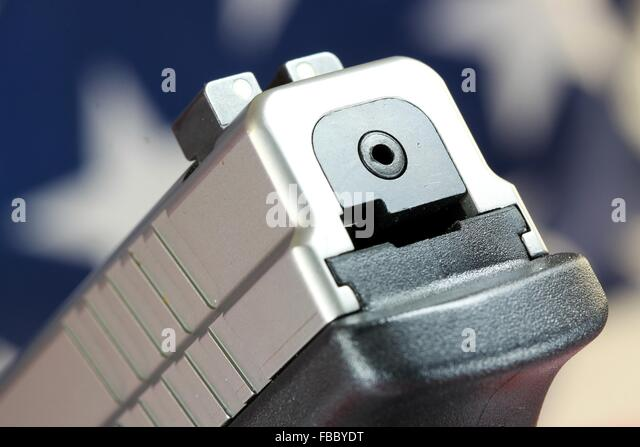 gun control the right to bear arms in the united states Home topics subject gun control and gun rights gun control and gun rights the second amendment to the constitution, which concerns the right to bear arms,  best states states aim to.